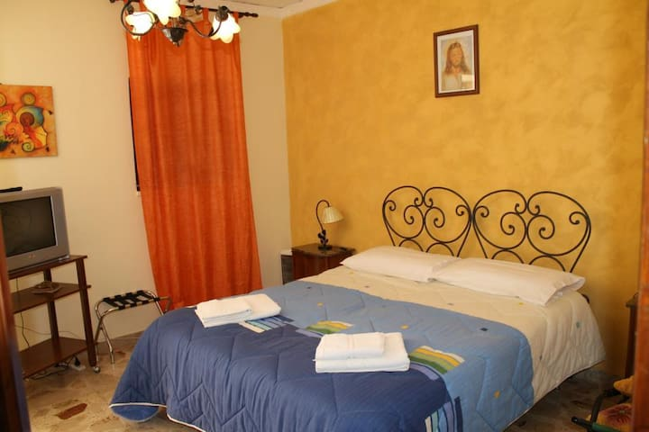 Home Holidays in Sicily - Caccamo - Termini Imerese