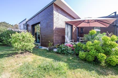 Maison en Bois aux Portes de Vannes - Saint-Nolff - Huis
