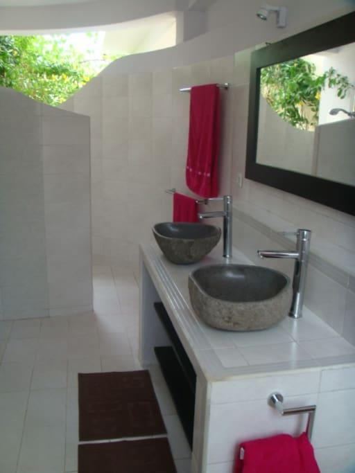 Badezimmer Gartenbungalow