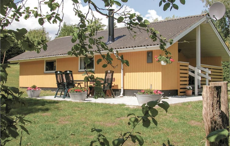 Holiday cottage with 3 bedrooms on 57m² in Hejls