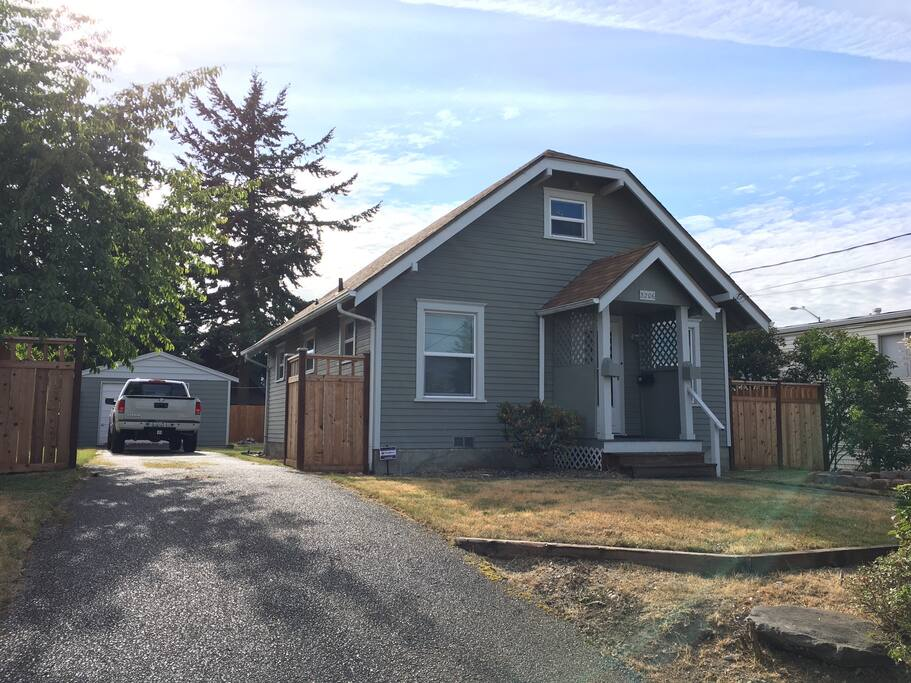 Classic 3 Br Craftsman Home In Central Tacoma Houses