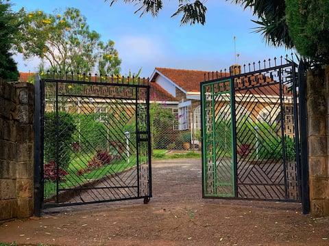 Yallo Residency, English Farm House in Tea Country