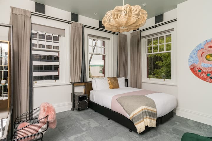 King Executive Room in NEW Boutique Hotel