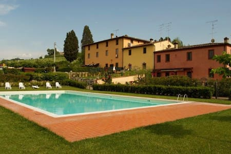 Tognazzi Casa Vacanze - La Corte dei Bracchi - Montespertoli