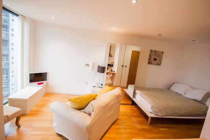 Apartment Salford Quays,MediaCityUK - 샐포드(Salford) - 아파트
