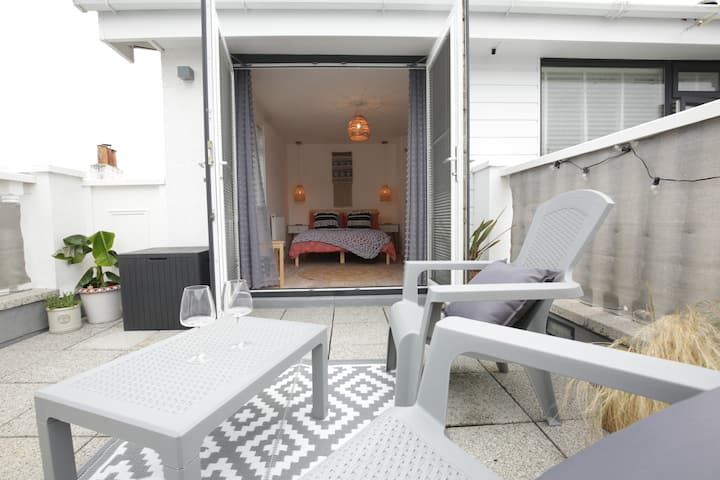 Private St Ives sea view double room with balcony