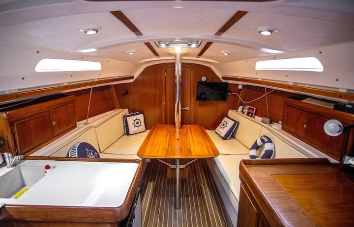 Sailing Boat Dufour 32 Classic