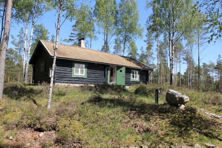 Tømmerhytte ved Vännesjön - GETAWAY COTTAGE - Klausön - Srub