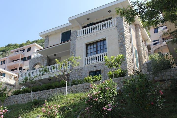 Villa Leonardo - Muo - Villa