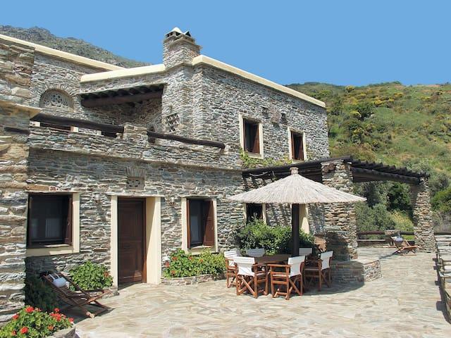 Traditional, beautiful stone-villa