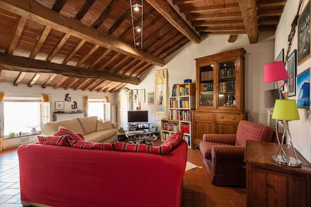 Tuscan Attic close to Leaning Tower
