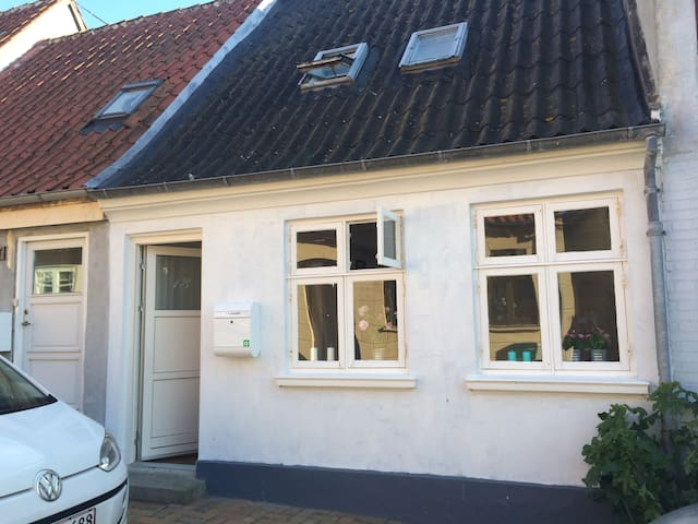 Cosy townhouse - Rudkøbing - Hus