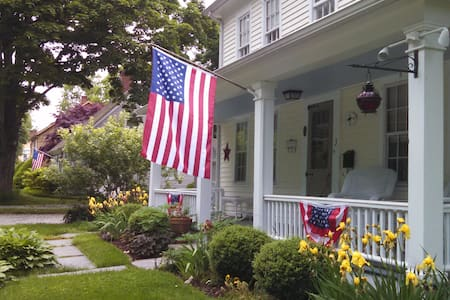 3 Liberty Green Bed & Breakfast - Clinton - Bed & Breakfast