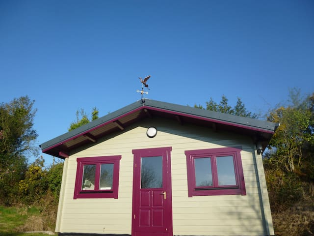 Self catering stylish garden cabin - Mountshannon