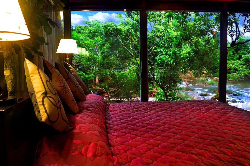 KumbukRiver - Cabin Inside View