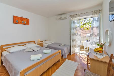 TRIPLE ROOM NINA WITH LARGE TERRACE - Dubrovnik