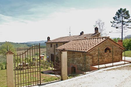 Quaint, cozy hayloft in Chianti  - Florence - Villa