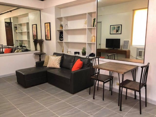 Conveniently Located Makati Ave Condo Unit