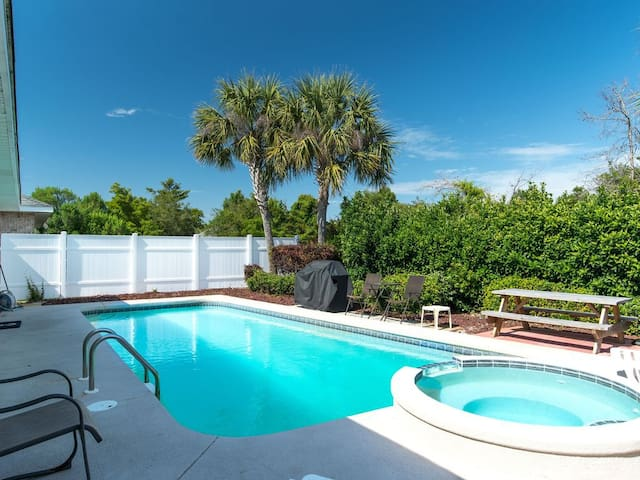 Private Pool & Beach Access!