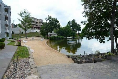 Prime Waterfront Condo Close to Everything!