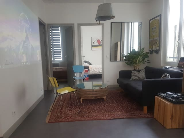 Clean and charming Flat close Marais and Beaubourg