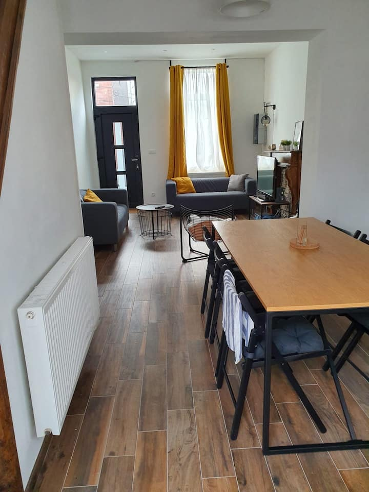Cozy room in calm place near Charleroi city