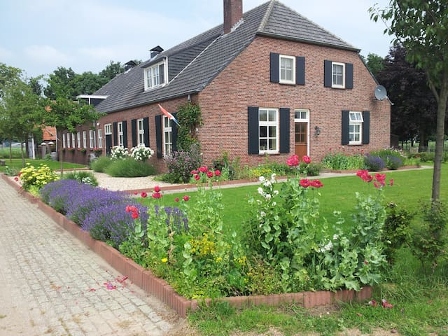 B&B Hoeve Carpe Diem - Heijen - Bed & Breakfast