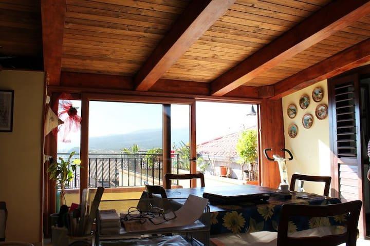 Mansardato elegantissimo - Fiumefreddo Sicilia - Loft