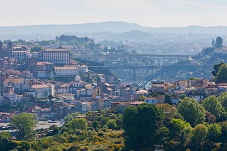 Stunning Views to Porto FreeParking - Vila Nova de Gaia - Huoneisto