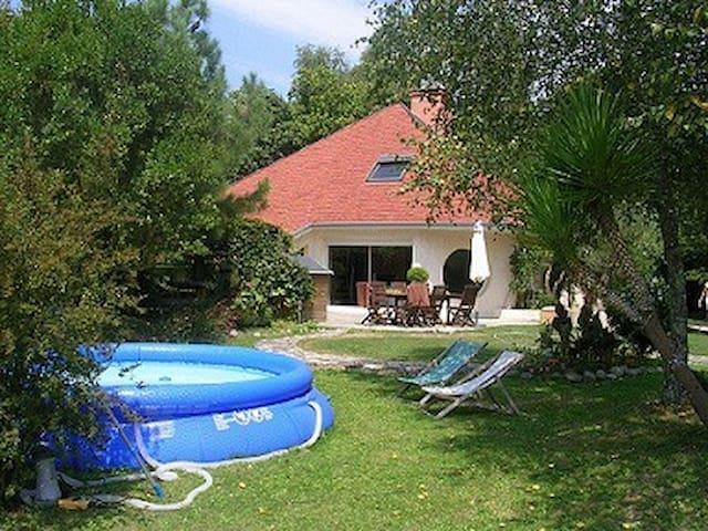 Vacances dans le Sud ouest - Thèze - Dům