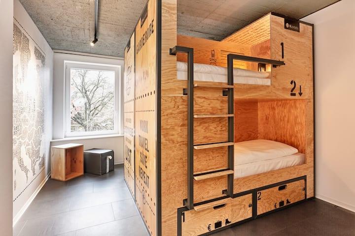 2 Betten-Gemeinsames Zimmer-mit 6,8 o. 10 Gästen A