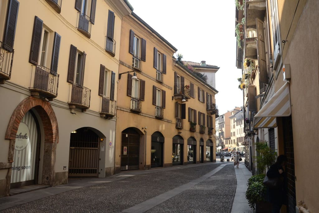 Elegante open space nel cuore di brera appartamenti in for Appartamenti arredati in affitto milano