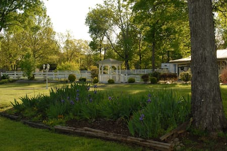 Master Bedroom on Horse Ranch - Lascassas - House