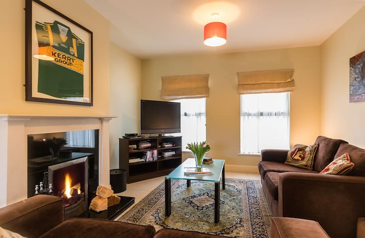 Kenmare Holiday Residence, 4* Class