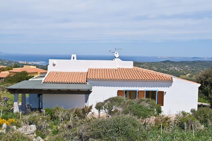 Moderna Villa vista mare con Wi-Fi e TVsat