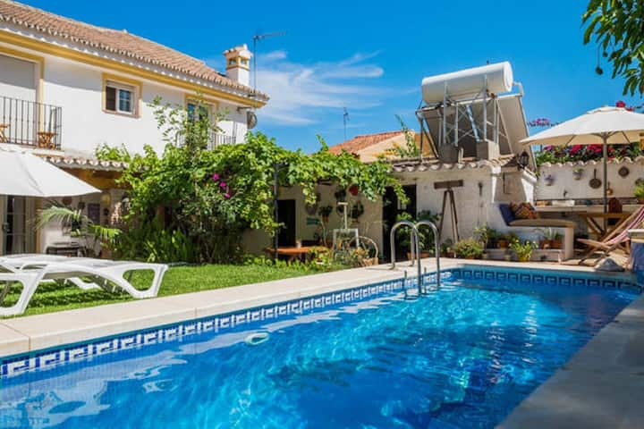 B&B Villa with private pool near the beach