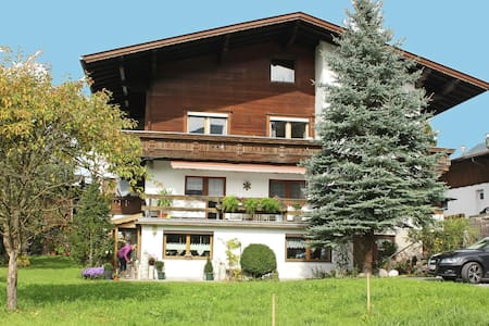 Espacioso apartamento en Stumm Tirol con balcón