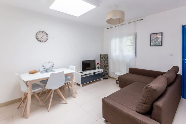 Cozy 2-bedroom in the Marais Paris center