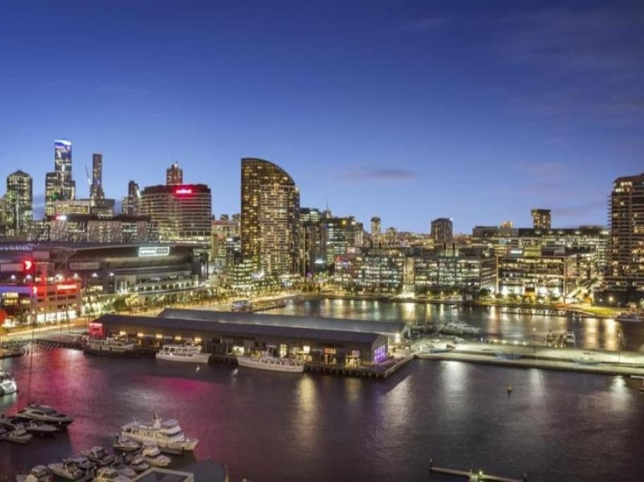 Night views of Melbourne City & Harbor
