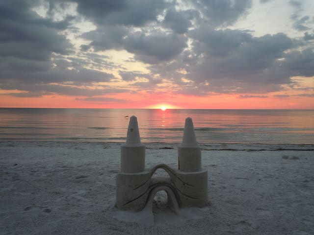 Island Gulf Front, Sunset, Luxury - Fort Myers Beach - Apartment