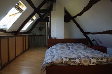 Room in a renovated farmhouse - Méricourt-l'Abbé