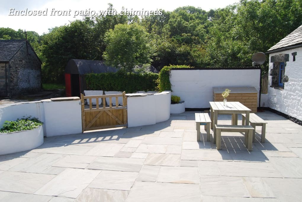 What a sun trap! 60sq ft secure patio with bbq and chimineas