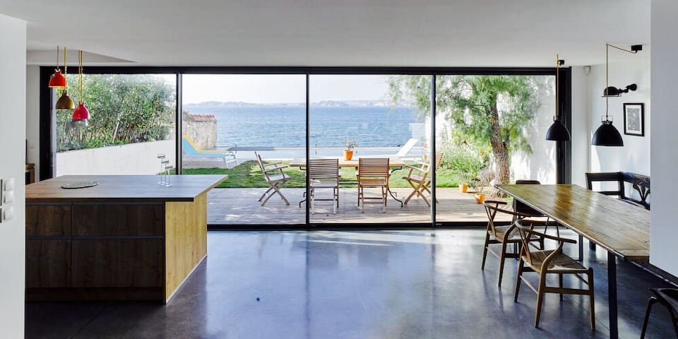Luxury beach House with sea view - Marseille - Hus