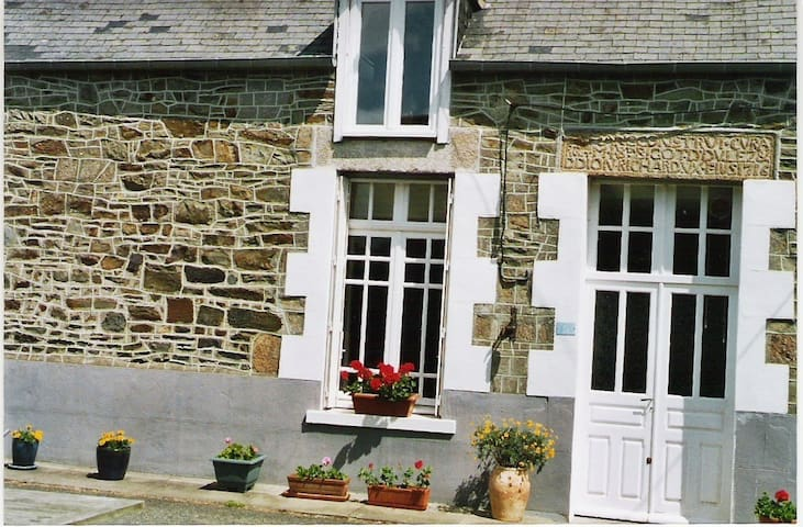 Summer weekly rental Mont St Michel - Pleine-Fougères - Casa