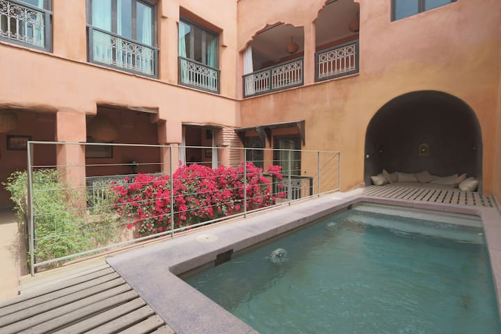 Double room Khadija, Riad with pool - Marraquexe - Bed & Breakfast