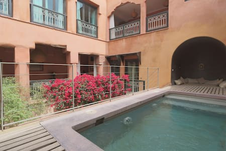 Double room Khadija, Riad with pool - Marrakech - Bed & Breakfast