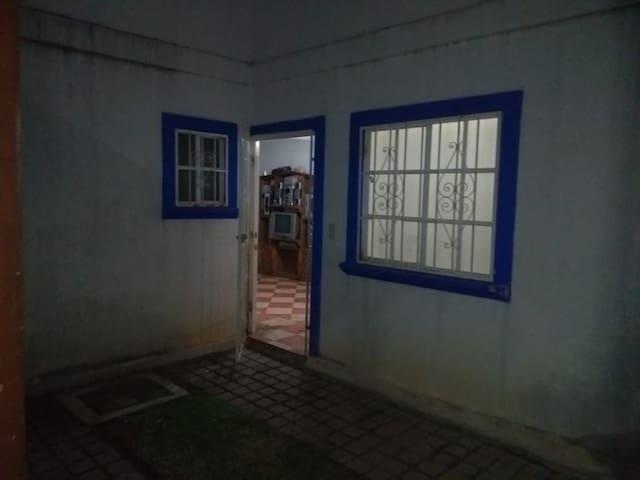 Casa Valo,alberca y Palapa, pásala muy bien