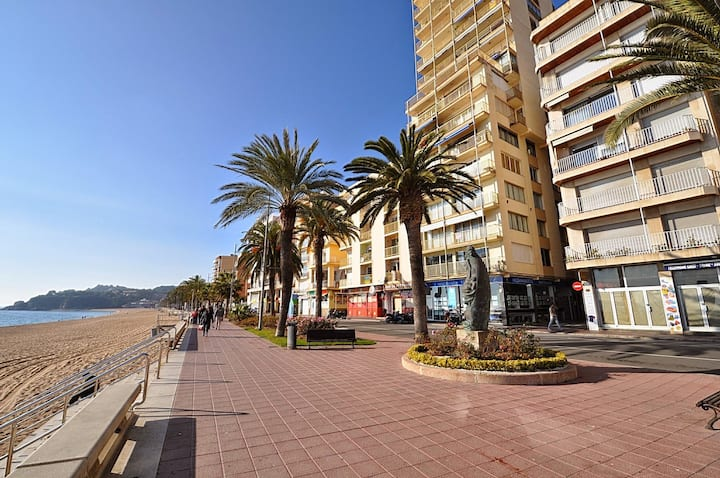 Apartment 400m from the beach, with terrace, air conditioning, wifi, ref: A115 Apartment Samba Lloretholiday