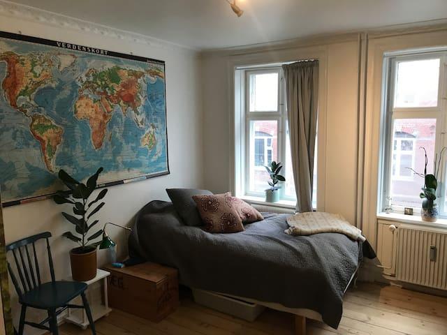 Live in central Nørrebro