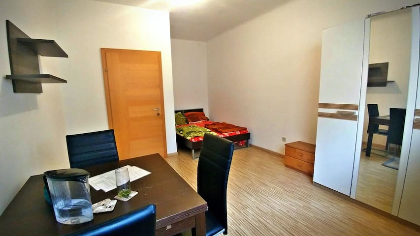 Clean,bright and comfortable room in center. - Wien - Bed & Breakfast